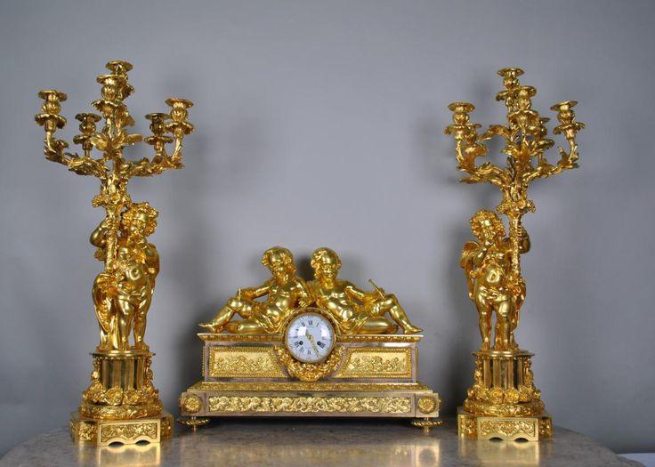 Garniture Aux Amours Bronze Doré