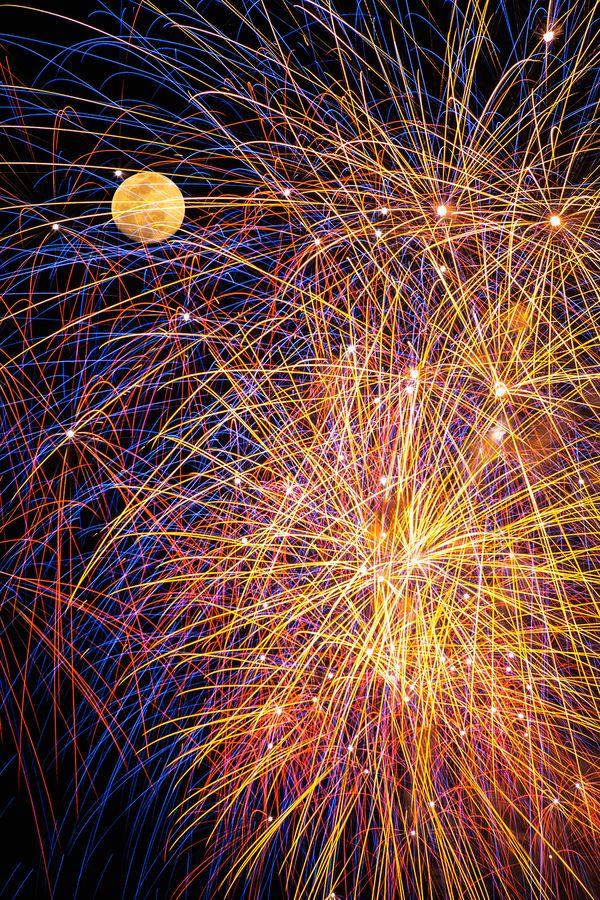 guardare i fuochi d'artificio