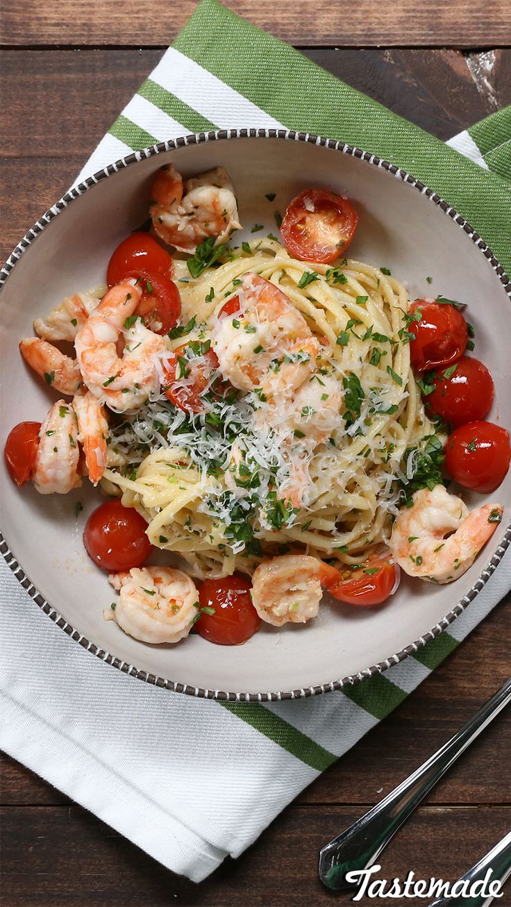 Full of color and flavor, shrimp scampi never tasted so good.