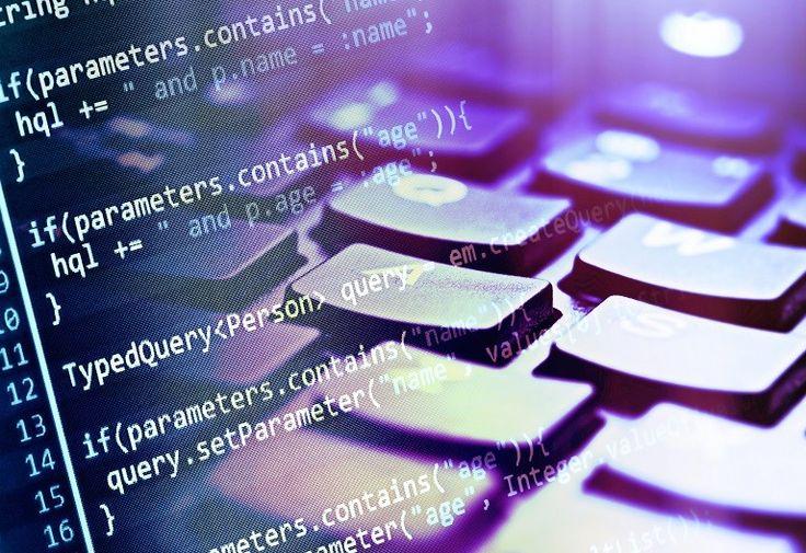 Desarrollador web: los desarrolladores son los responsables de las pruebas y la documentación de software web, de escribir código para las páginas web, así como bases de datos y servidores. Estos profesionales necesitan de un buen manejo de lenguajes de programación como HTML, CSS y JavaScript, sólo para nombrar unos pocos. El BLS predice un futuro sólido para este campo, con un crecimiento previsto del 20% de puestos de trabajo para el año 2022.