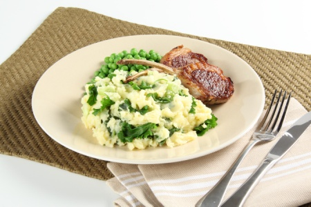 Lamb Cutlets, Veggie Mash & Minted Baby Peas #LambCutlets #VeggieMash #MintedBabyPeas