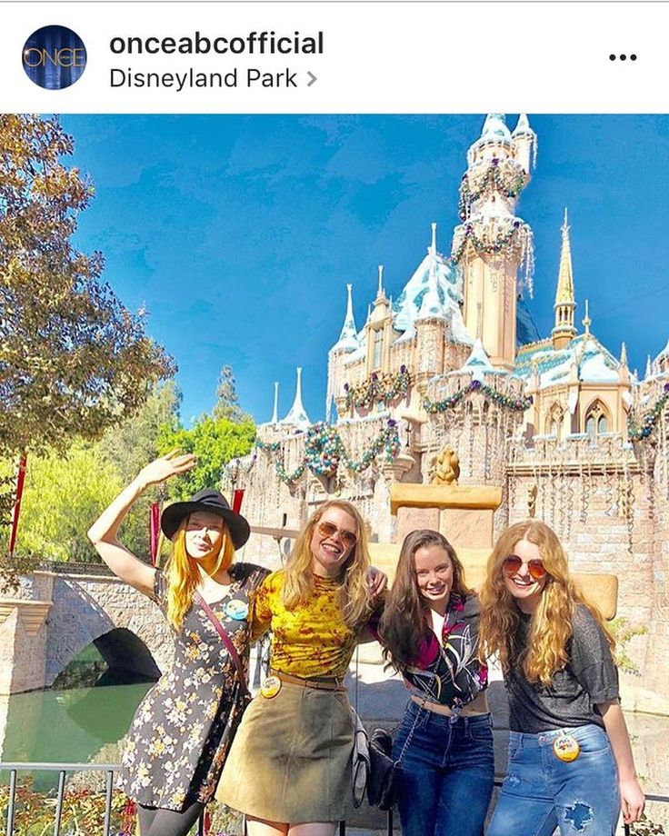 Emma Booth, Rose Reynolds, Meegan Warner and Freya Tinley for Once Upon A Time posted that they were in the parks today 11-22-17! #Disney #Disneyland #DisneylandParks #CelebSighting #CelebSpotting #CelebritySpotting #CelebritySighting #OnceUponATime #EmmaBooth #RoseReynolds #MeeganWarner #FreyaTingley