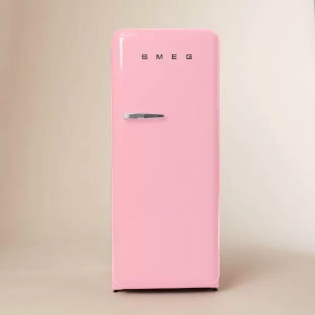 Die besten 25+ Pink mini fridge Ideen auf Pinterest | Mini ... | {Kühlschränke smeg 41}