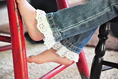 Add Lace To The Cuffs Of Jeans To Lengthen @craftstew
