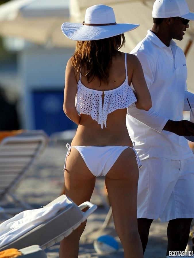 image Amazing bikini cameltoe dance 2