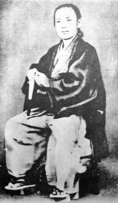 "Inoue Kaoru was born 1836, to a lower-ranked samurai family in Hagi (present day Yamaguchi Prefecture). Inoue attended the Han school with his brother Ikutarō (幾太郎). He was a close boyhood friend of Ito Hirobumi who later became Japan's first prime minister, and he played an active part in the sonno joi (""revere the emperor and expel the barbarians"") movement. Desiring to rid Japan of foreigners, he and Takasugi Shinsaku set fire to the British legation in Edo in 1862."
