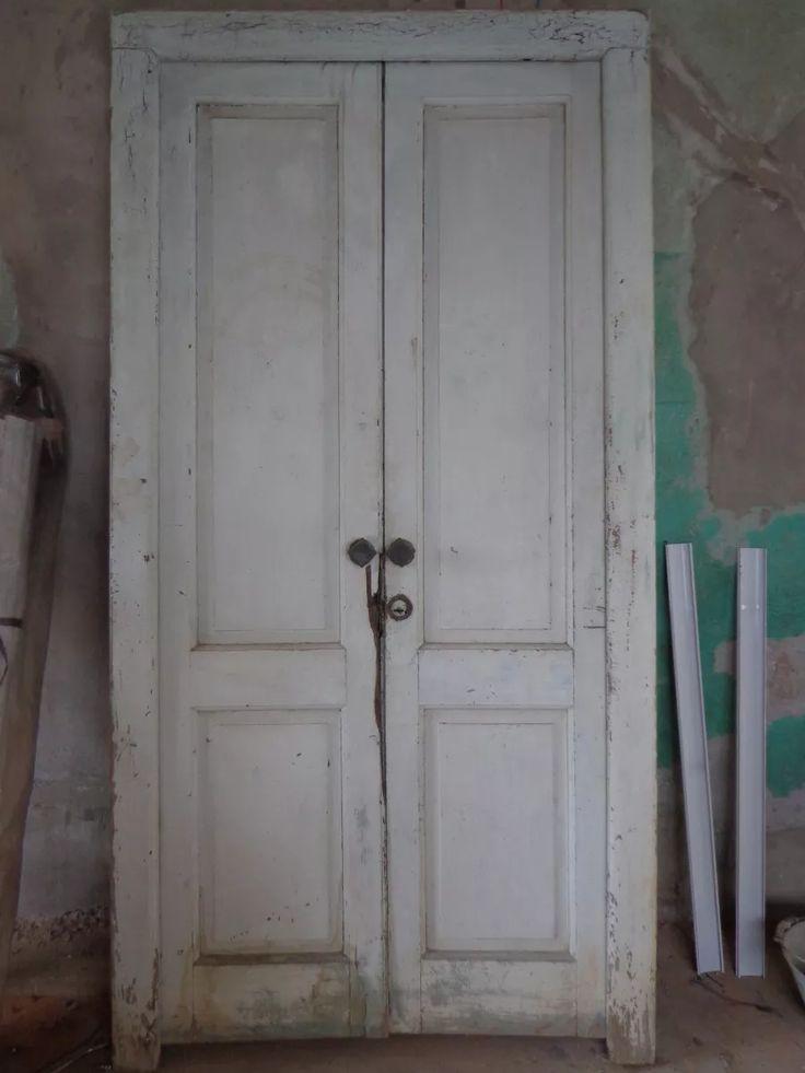 Las 25 mejores ideas sobre antiguas puertas de madera en for Puertas dobles de madera