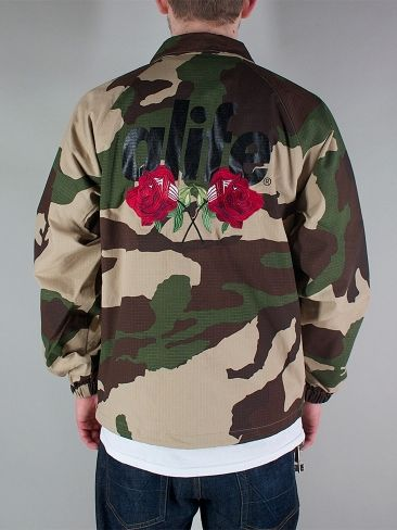 ALIFE A37324 ROSES COACHES Coach Jacket - camo € 105,00 - Spedizione Gratuita - See more at: http://www.moveshop.it/ecommerce/index.php/it/articolo/65893/12311/A37324%20ROSES%20COACHES#sthash.8Dd564SZ.dpuf