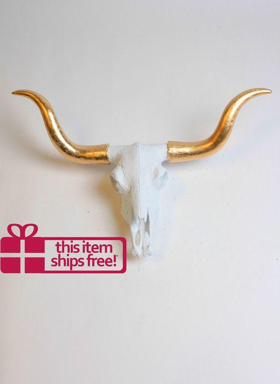 Longhorn crâne - le crâne de taureau de Savannah - Texas Faux animaux Wall Mount par White Faux taxidermie - décor blanc et or - Texas Longhorns Art