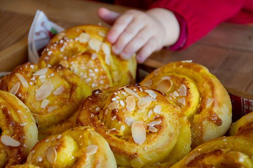 Saffron buns with marzipan and almonds (Lucia buns / Lussekatter). Perfect for Saint Lucia's Day! Recipe on Nami-Nami