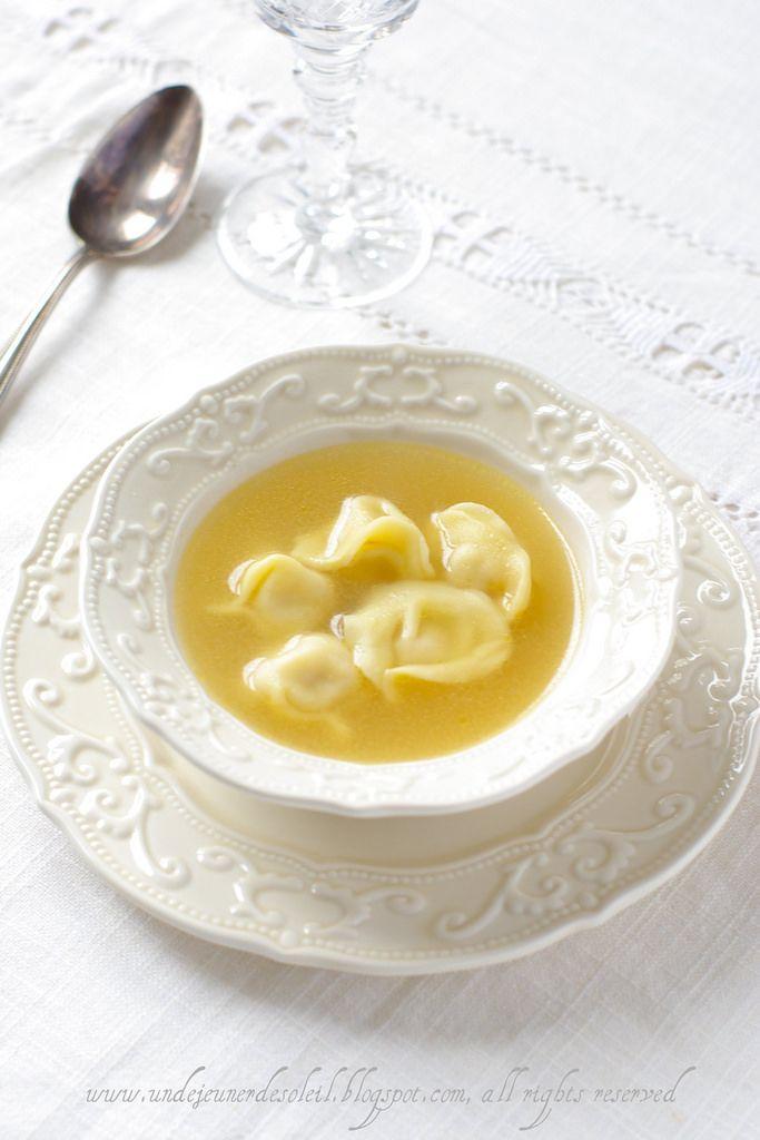 Versione italiana più giù    Je vous disais l'autre jour que les pâtes peuvent être incroyablement simples mais aujourd'hui...un peu comp...