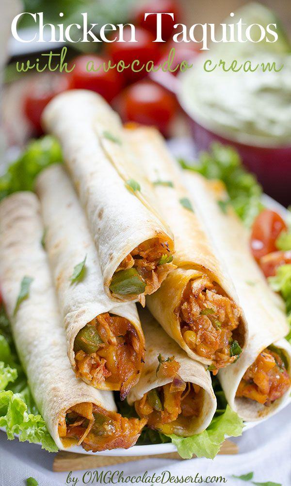 Huhn Taquitos mit Avocado-Creme sind eine schnelle, gesunde und eine schmackhafte Mahlzeit mit Huhn und frischem Obst, rollte in knusprige Tortilla.