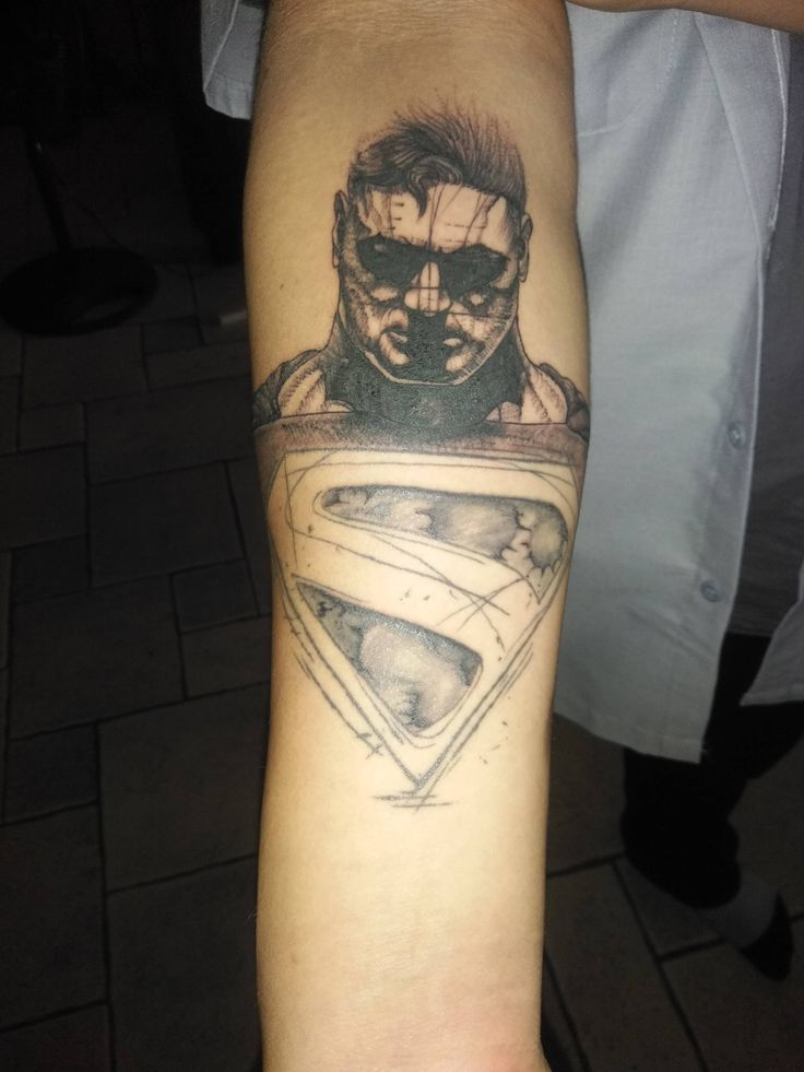 25 best superman tattoos ideas on pinterest batman for Living canvas tattoo tempe
