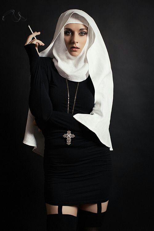 нередко фотографии монахинь к песне монахиня моя цвет бурой