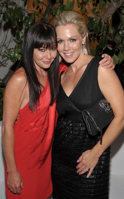 Shannen Doherty and Jennie Garth