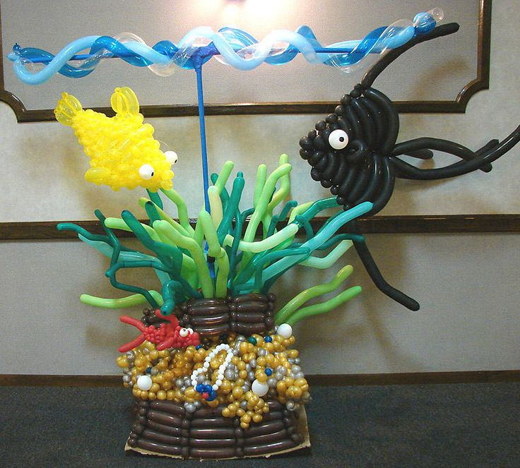 23 best balloon pirate decor images on pinterest pirate for Balloon art for baby shower