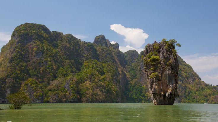 #FelizJueves, ven con nosotros a conocer el Parque nacional Ao Phang Nga y la isla Koh Tapu, conocida también como isla de #JamesBond