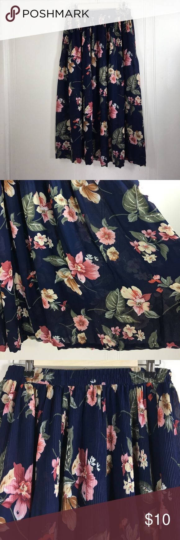 """All Items 3for&15! Plus Size Sheer Floral Midi Preowned condition. No stains or holes. Normal wash and wear.          Note: No Lining.                                Tag Size: plus Size: 2x.                  Waist Flat: 16"""". Before stretch.           Length: 32"""".                                         Please go off measurements and NOT Tag Size. Sizes differ from company to company. I questions! Please ask any and all questions before purchasing.   Thanks! ~Rag Time Machine.~ Sag Harbor…"""