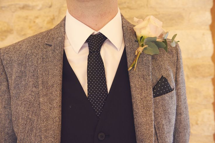 Black & Grey suit - super sexy and super simple. Blank pants, black waistcoat and grey jacket! #asos #blackgreysuit #wintersuit #weddingsuit #kingscotebarn #winterwedding
