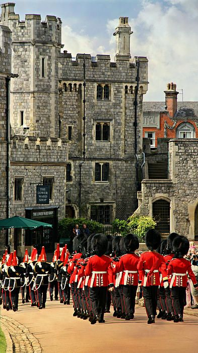 Windsor Castle,  daily changing of the guard ceremony,  England
