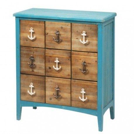 Mueble con 9 cajones al estilo marino con unos bonitos tiradores en forma de ancla. Con este mueble podrás mantener en orden todas tus prendas en tu dormitorio.