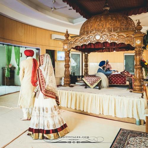 traditional Punjabi wedding at Gurdwara