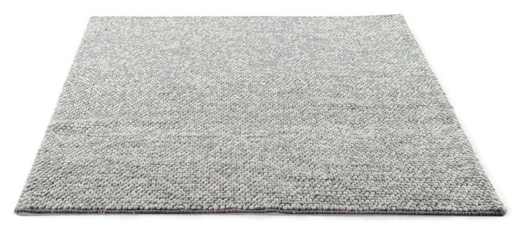 Nirvana-matto ei ole saavuttanut suosiotaan turhaan, sillä maton pompulamainen pinta on ainutlaatuisen tuntuinen jalkojen alla. Pehmeä ja lämmin...