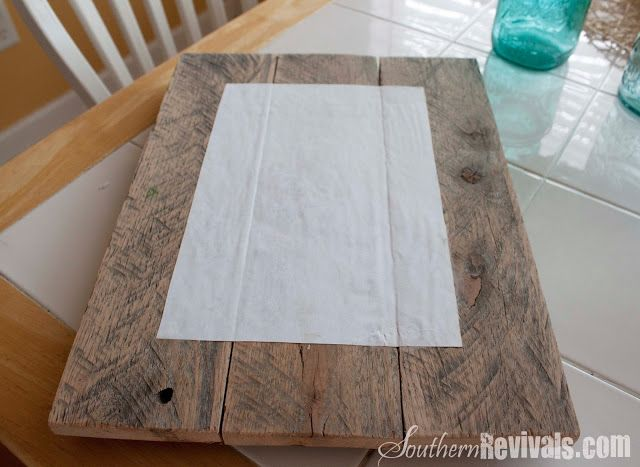 DIY Pallet Photo Frames with Mod Podge Photo Transfer, using photos print on regular printer paper; instructions included