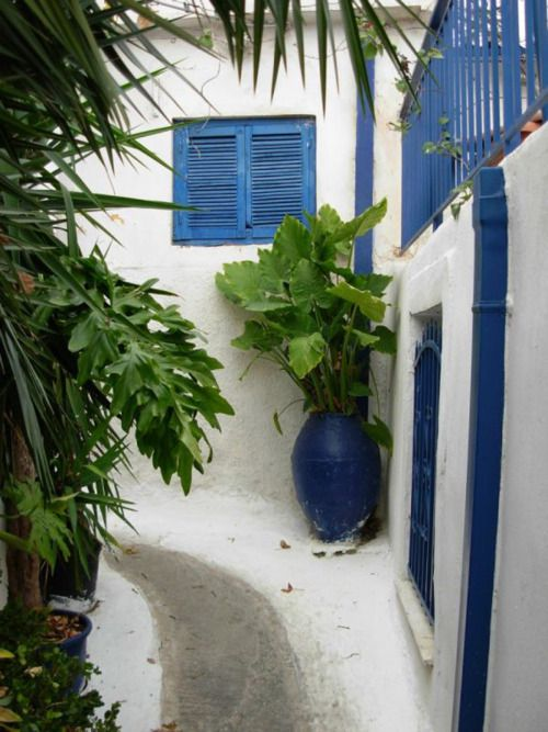 "~ Steep walkway in ""Anafiotika"" Plaka - Athens ~  source: hellas-photos-gr"