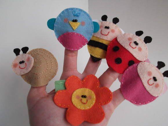 Dedoche Bichinhos de Jardim, confeccionado em feltro, bordado e pintado à mão…