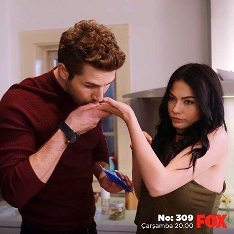 Lale ve Onur'un evcilik oyunlarının nasıl sonuçlanacağını merak edenleri #No309'un dünkü bölümü için fox.com.tr'ye alalım... @foxturkiye   #sendegelFOXa #FOX #FOXTurkiye #yenibölüm #dizi #çarşamba #demetözdemir #furkanpalalı