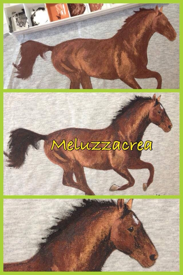 Felpa dipinta a mano con cavallo da fotografia  Paint t-shirt handmade