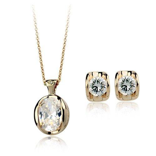 Fin si elegant, acest set de bijuterii placate cu aur 18K si cristale Stellux este potrivit oricarei ocazii din viata ta - www.bodyandbijoux.ro