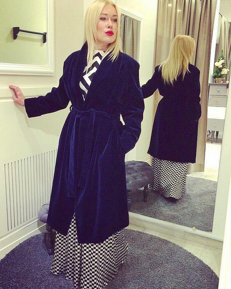 """Мы знаем место, где вам подберут ваш идеальный новогодний лук с ног до головы. Приобретая платье нашего бренда вы наверняка найдете туфли для золушки и королевские украшения под него в """"Wardrobe.Selected clothes"""" по адресу: ул. Воздвиженская 9-19 наряды от #annamorgun  ждут Вас именно там  #look #annamorgun #fashion #fashionable #fashionblog #fashiongram #fashionista #fashionblogger #fashionaddict #fashionstyle #fashionstyle #insta #instapic #instacool #instagood #instagram #instagramers…"""