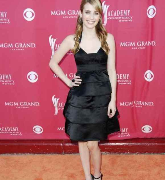 Emma Roberts Age, Bra Size, Height, Weight, Body Measurements