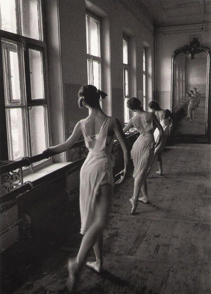 Cornell Capa, L'école des ballets du Bolchoï – 1958