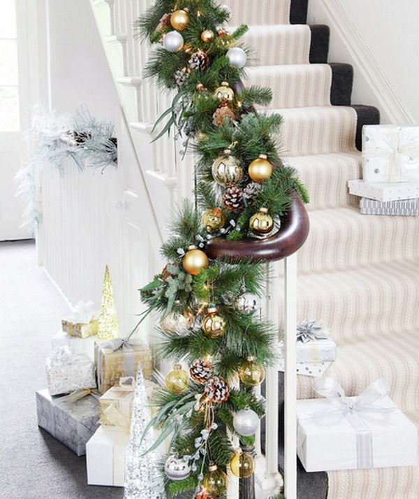 26 best XMAS STAIRCASE DECOR images on Pinterest | Merry christmas ...