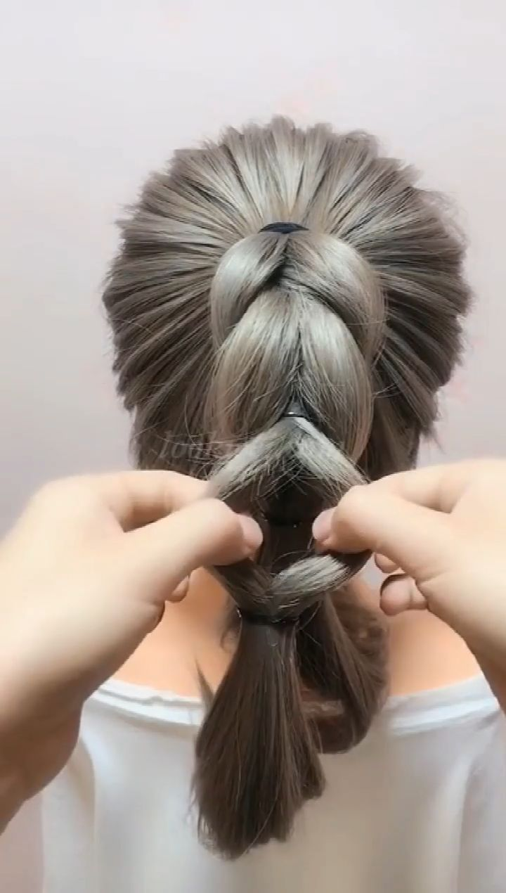 You Can Learn This Hairstyle Side Ponytail Hairstyles Long Hair Styles Ponytail Hairstyles