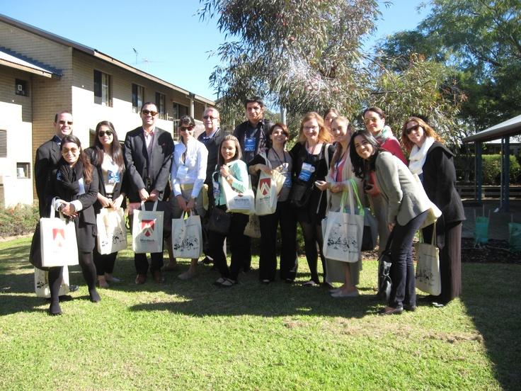 LAE Espana visitors on campus