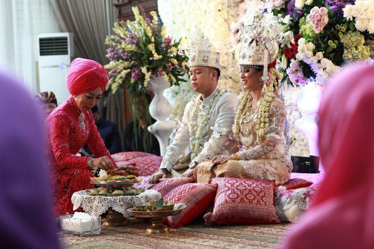 Pernikahan Adat Lampung Tantia dan Elno di Jakarta