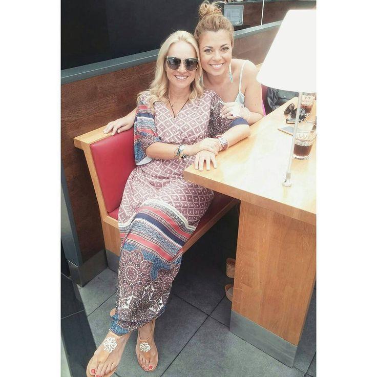 @mariampekatwrou with Twininas White Coral Crystal Starfish Dandals ☺ #twininas #twiniñas #greek #genuine #white #coral #crystal #starfish #natural #color #mariampekatwrou #leather #sandals #greece #summer #girls #islandlife #gold #summergirls #women #ladies #shoes #greekislands #lovers #instalovers #boho #bohemian #etsy #shop