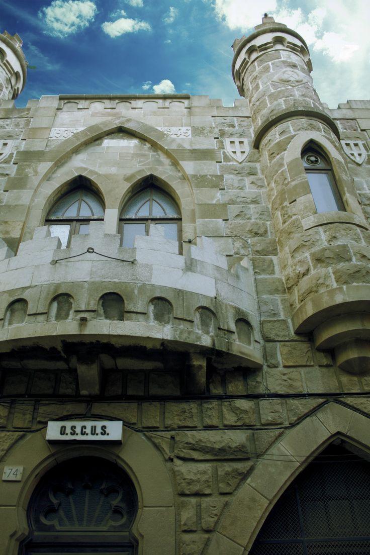 castillo en C/ Blas Fernandez Lirola, L'Hospitalet de Llobregat