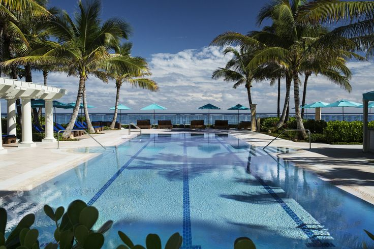 The 13 Most Jaw-Dropping Oceanview Hotel Pools Photos | Architectural Digest / Photo: Joseph Montezinos The Breakers—Palm Beach, Florida