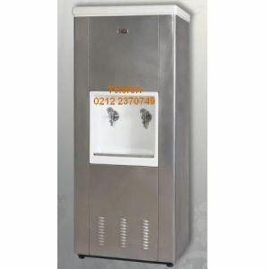 Paslanmaz Sebil AKS80:Sanayi tipi su sebili modelleri paslanmaz su sebili çeşitlerinden bu su sebili kaliteli krom su depolu imalatı ekonomik fiyatı bol ve ucuz yedek parçasıyla işyerleri fabrikalar için ideal paslanmaz su sebilidir.Şantiye su sebili fabrika tipi su sebili işçi yemekhanesi su sebili okul su sebili hayrat su sebili olarak kullanılır.Krom çelik su deposu olan paslanmaz su sebili satış telefonu 0212 2370749