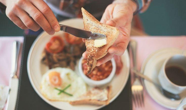 Παραδοσιακό ελληνικό πρωινό, λαχταριστά pancakes, αφράτες ομελέτες, αυγά…