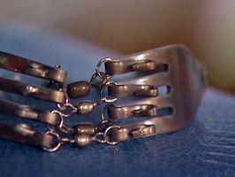 good tutorial for this fork bracelet or working with any utensils to turn into jewelry