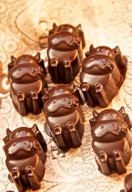 Chilli-Cherry Chocolates by Eperke, via Flickr