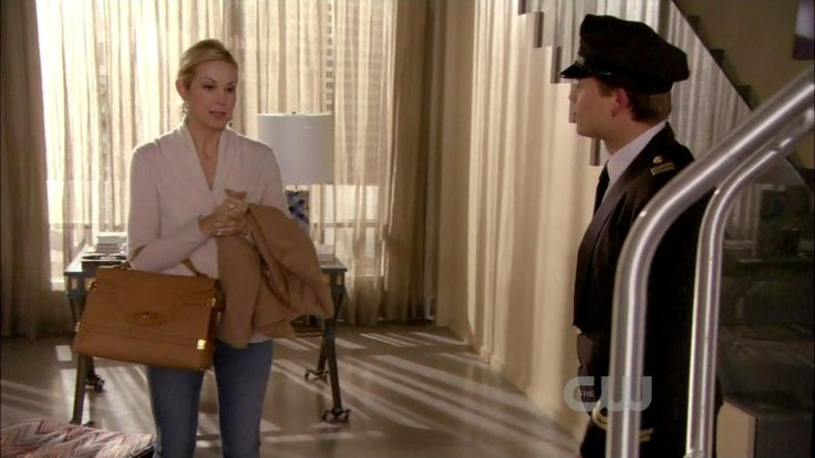 Kelly Rutherford - Gossip Girl Season 5 Episode 19