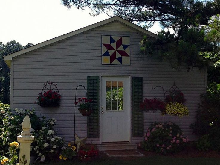 Pinterest the world s catalog of ideas for Garden shed quilting