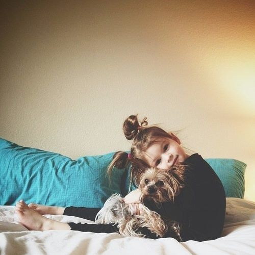 Little Girls, Best Friends, Kids Fashion, Children, Families Dogs, Adorable, Friends Cuddling, Baby Puppies, Little Dogs